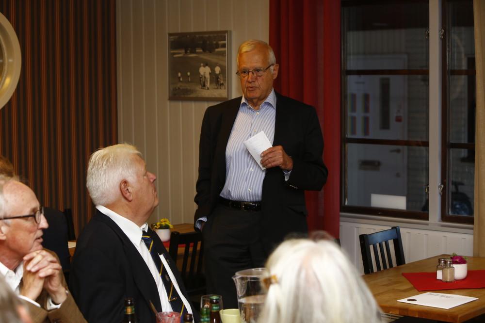 Anders Engdahl berättar bakom om klubben.