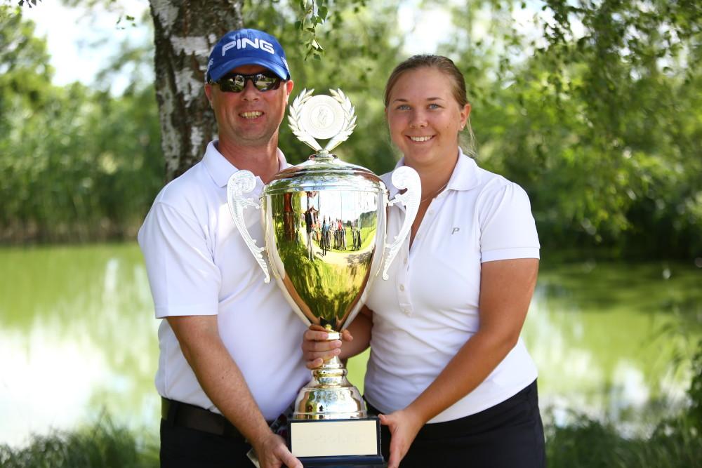 A-Klass – Grattis far och dotter Krister och Emma Andersson, Nyköpings GK, som vann SN-Golfen. De ledde också efter två dagar. Deras score var 42, 35, 45