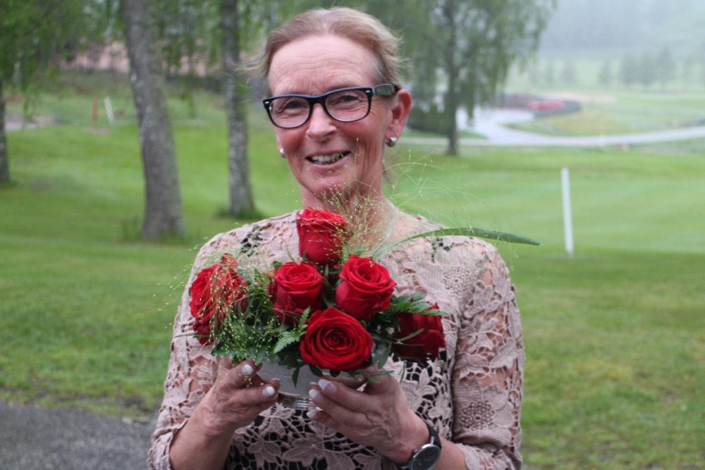2016-05-26 19.23.34 Rose Bowl Yvette