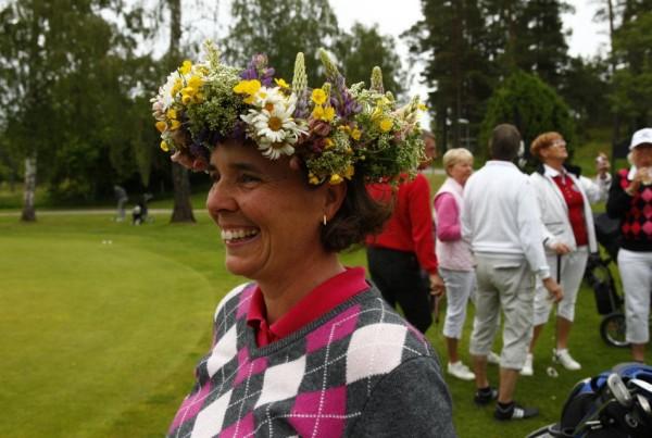 Midsommardansen - Anna Lundin i krans