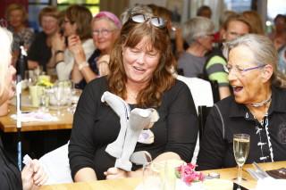 Susanne Billnert vann både första och andra pris i lotteriet. Ett set järnklubbor + en stor klubba.