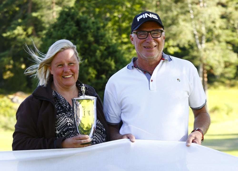 Annette Bergen tillsammans med Synsams representant Mats Andersson