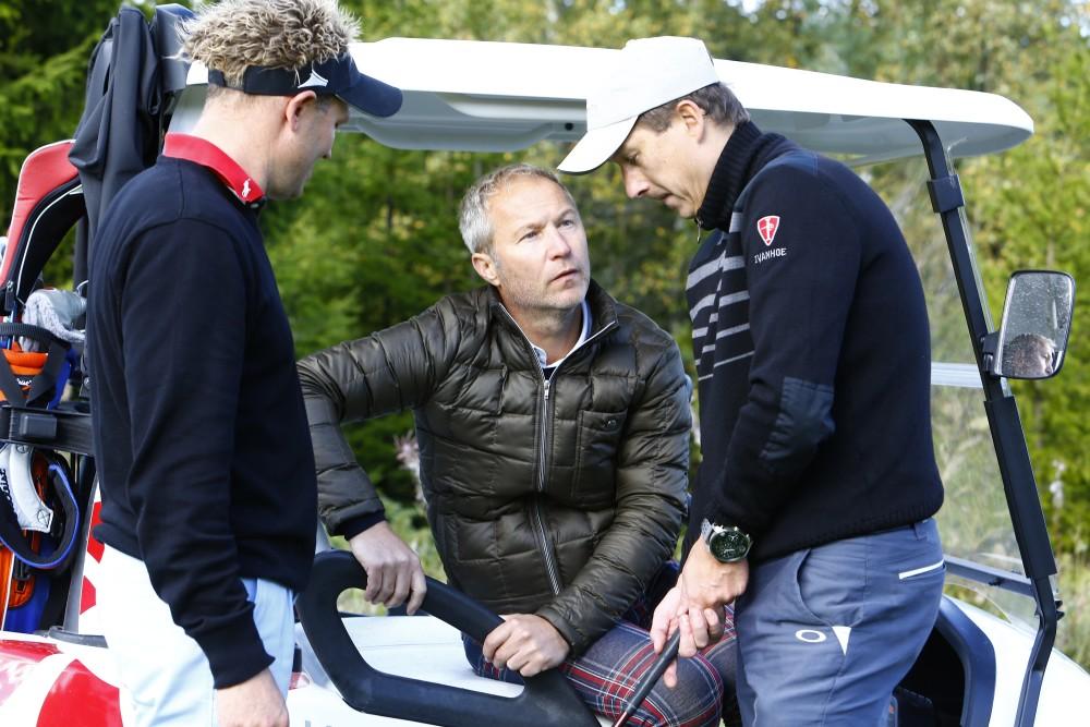 Audi Olofsson får goda råd av coach Per-Ulric Johansson