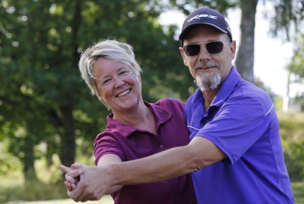 2018 års vinnare, Jeanette Sehlin Gadd och Stefan Carlsson.