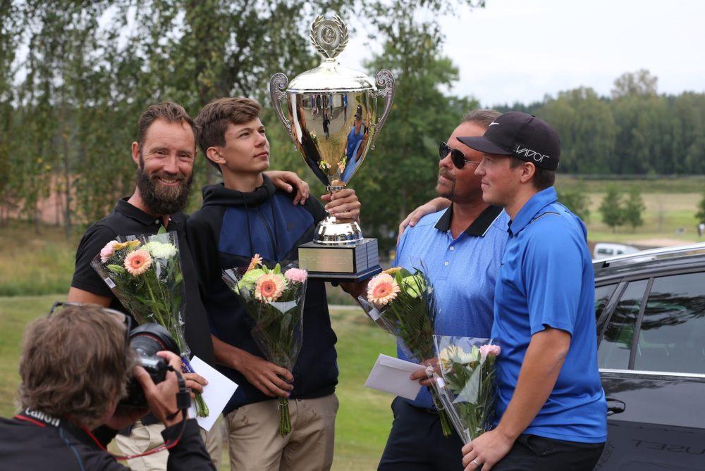 Golfen far en mixedtavling