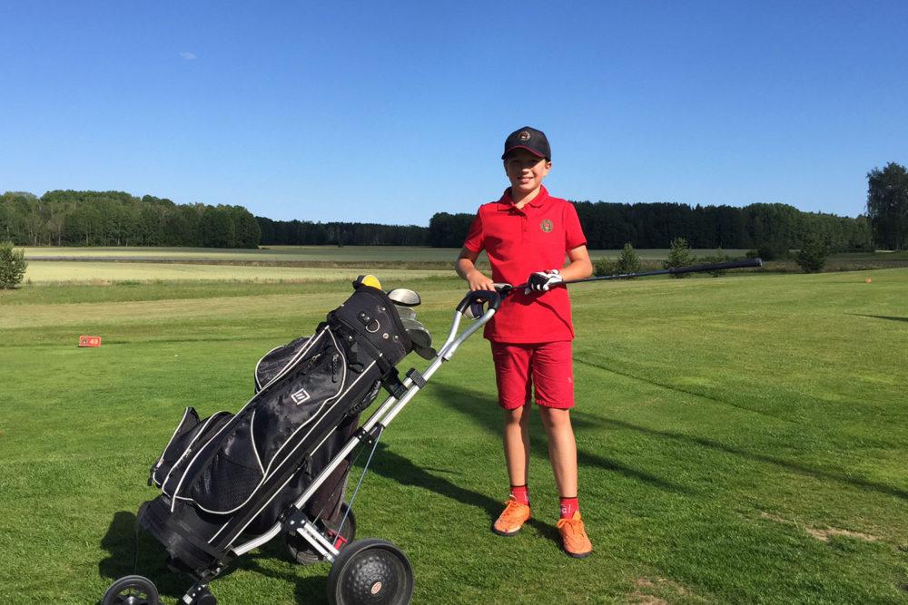 Junior i klubbkläder Två generationer 2019